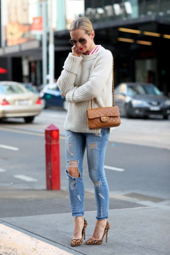 La última moda al estilo callejero casual son los Jeans rotos!
