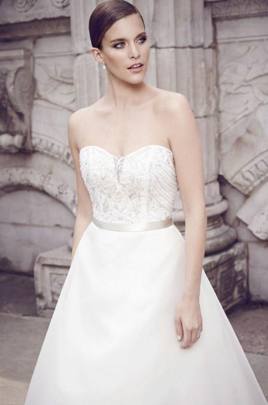 Hermosa colección de Paloma Blanca para Primavera 2015 en Vestidos de Novias