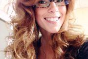Gafas de sol y gafas transparentes para chicas modernas