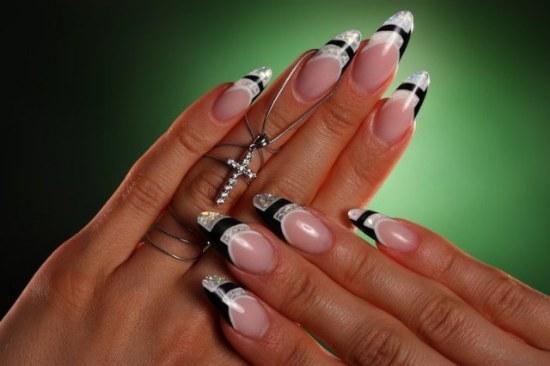 diseños uñas ovaladas stiletto