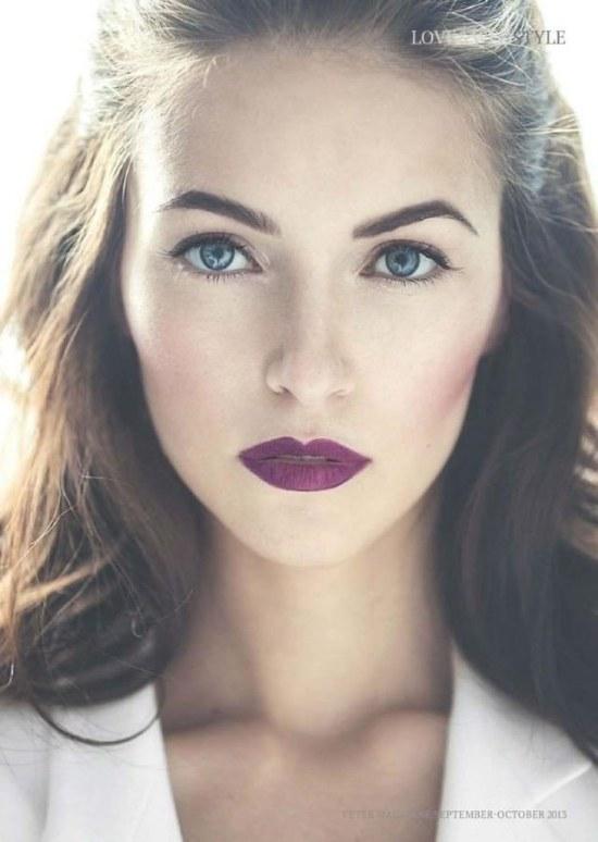 labios purpura maquillaje