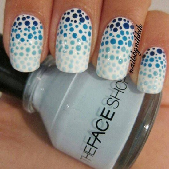 puntos polka uñas diseños