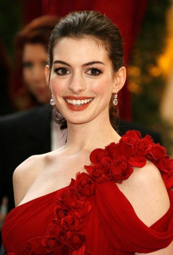 maquillaje para vestidos rojos