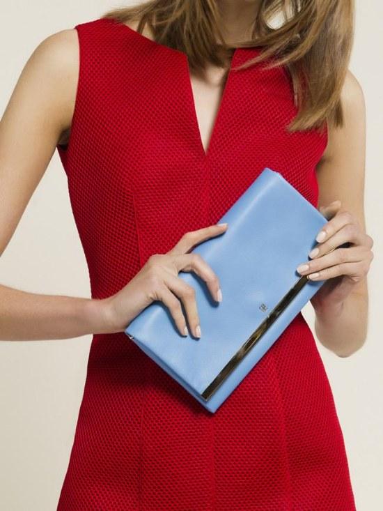 Complementa tu look para esta Primavera con un Bolso de Carolina Herrera