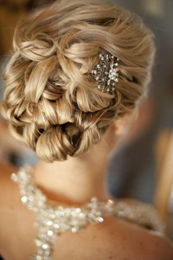 10 Bellas Ideas en Peinados para Novias para el 2015