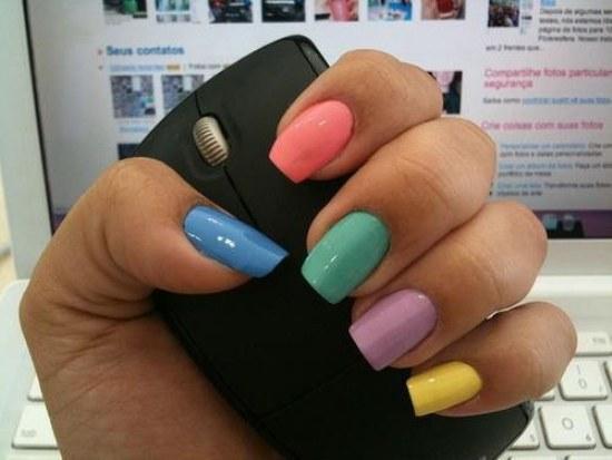 uñas color pastel diseños