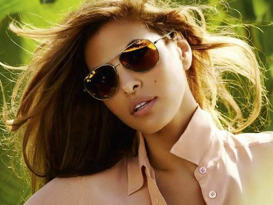 Gafas de sol moderno y de lujo