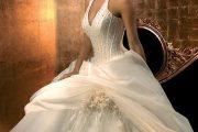 Encantadores vestidos de novia color champagne