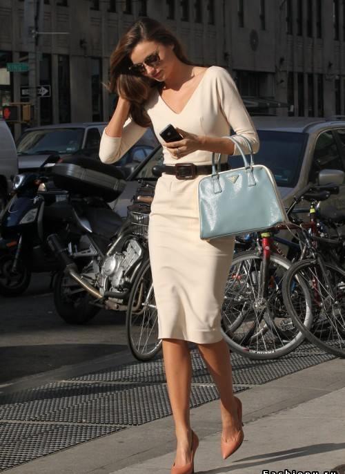 30 Elegantes vestidos de verano para la oficina
