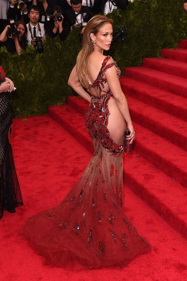 vestidos con transparencias-de-famosas