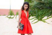 Usa un vestido color rojo en este San Valentín para enamorar a tu pareja