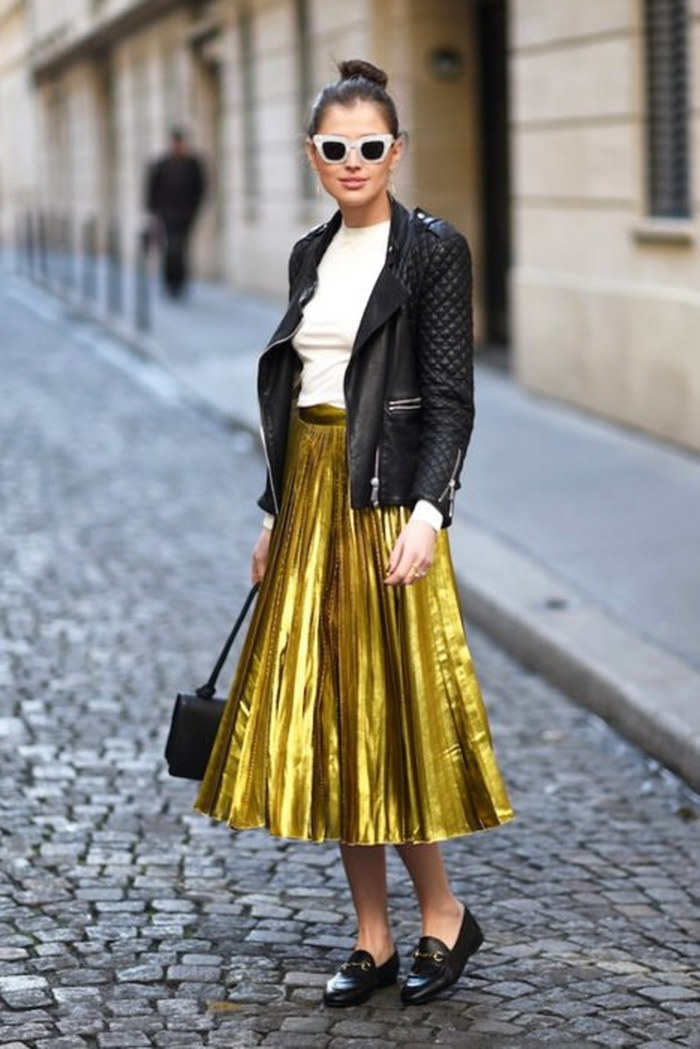 Creativas maneras de combinar tu outfit con las faldas metálicas