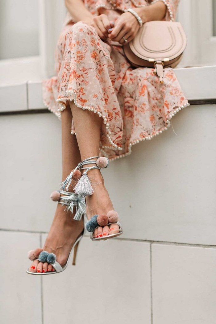 Cintas y lazos. Estos son los zapatos que literalmente necesitas esta temporada